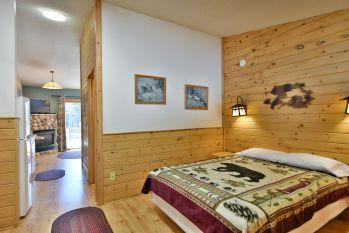 Motel Suites 27-35