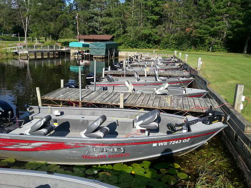 Rent a Pontoon Boat and Explore the vast Lake Chippewa Flowage